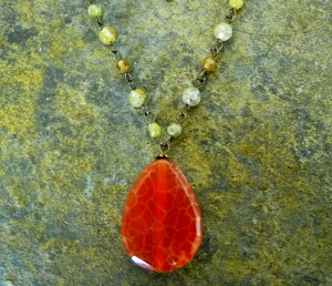 Fire agate green garnet1